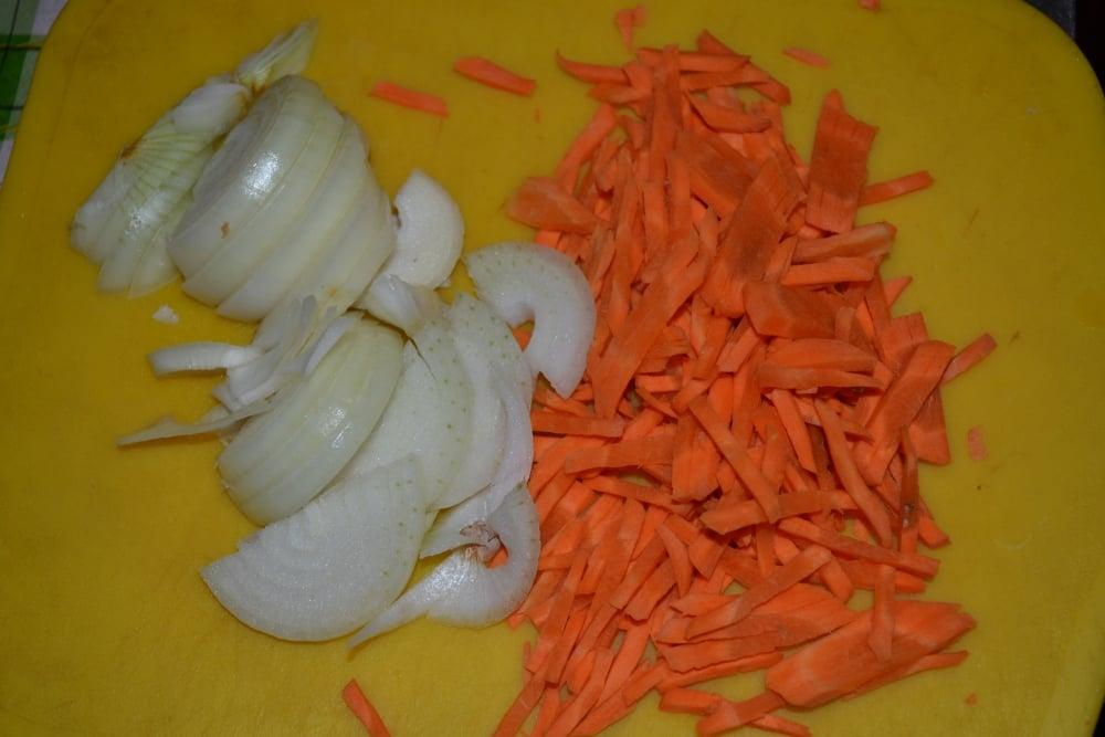 Рулетики с говядины с белыми грибами - приготовление, шаг 3