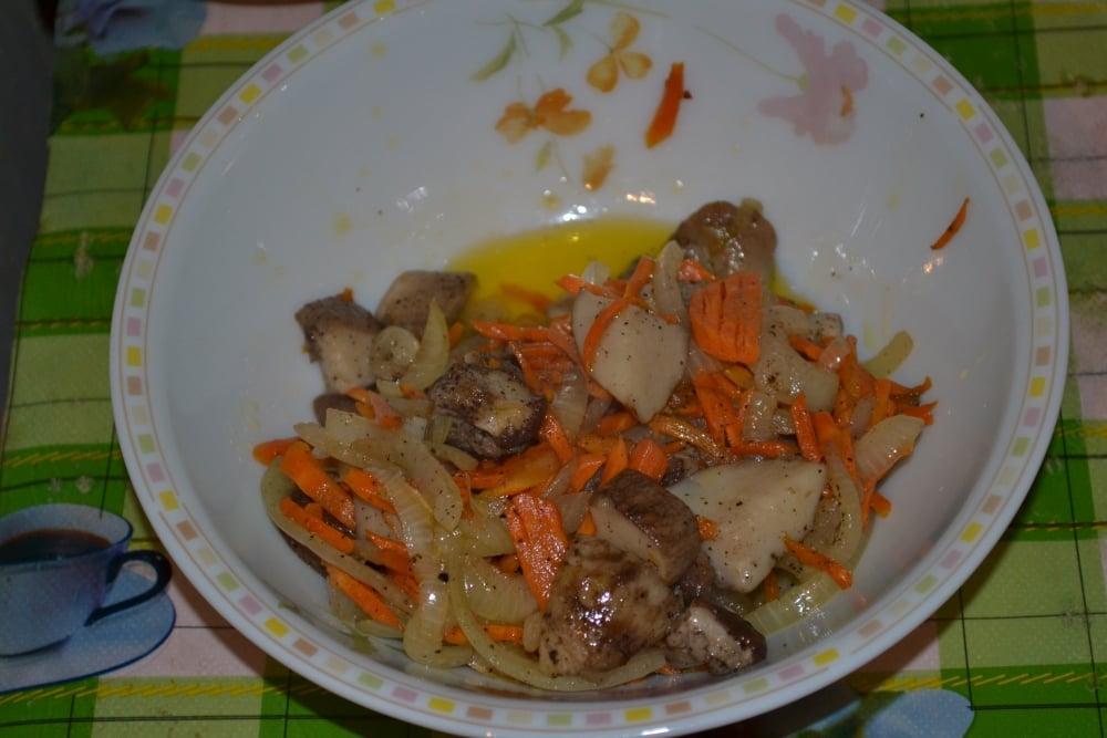 Рулетики с говядины с белыми грибами - приготовление, шаг 4