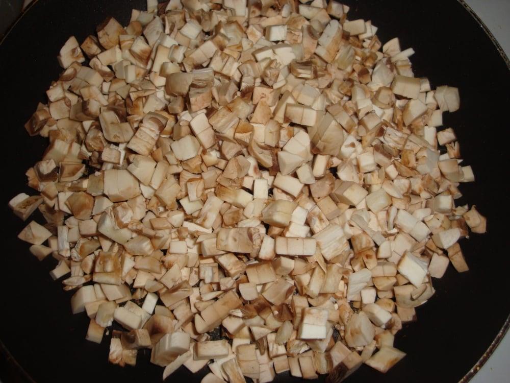 Мясо тушеное с грибами - приготовление, шаг 1