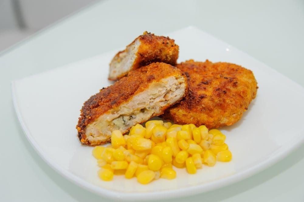 Куриные котлеты с сыром Дор Блю - приготовление, шаг 7