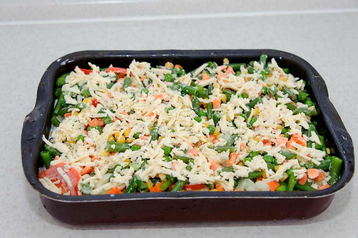 Куриное филе с овощами в сливочно-сырном соусе - приготовление, шаг 4