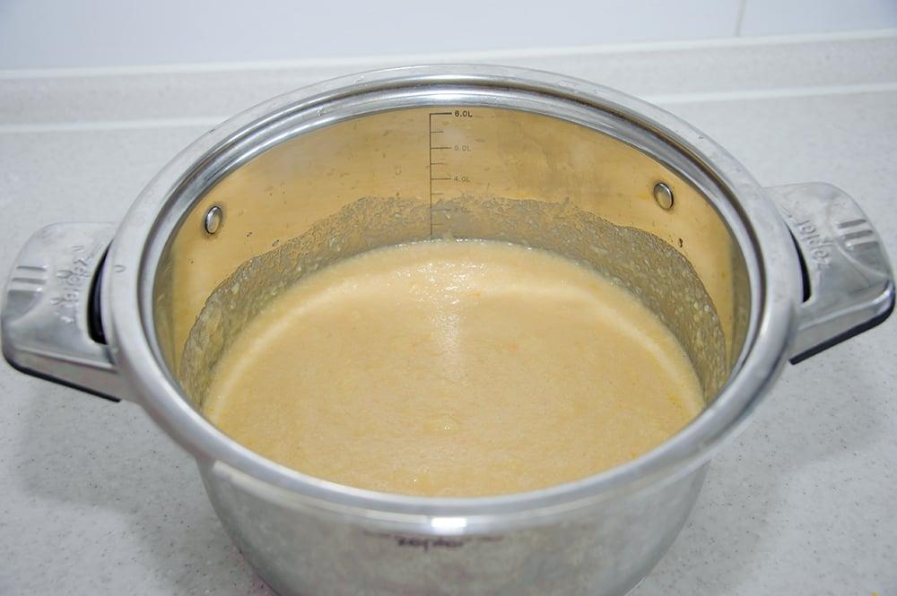 Пасхальный кулич на топленом молоке