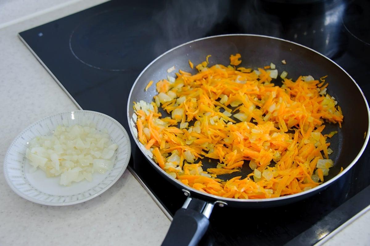 Суп с фрикадельками - приготовление, шаг 3