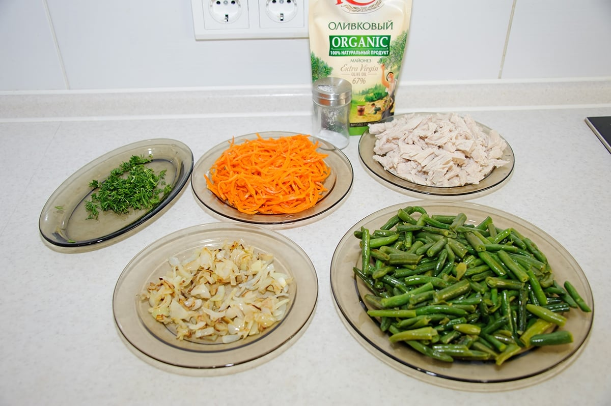 Салат с зеленой фасолью и корейской морковью - приготовление, шаг 1