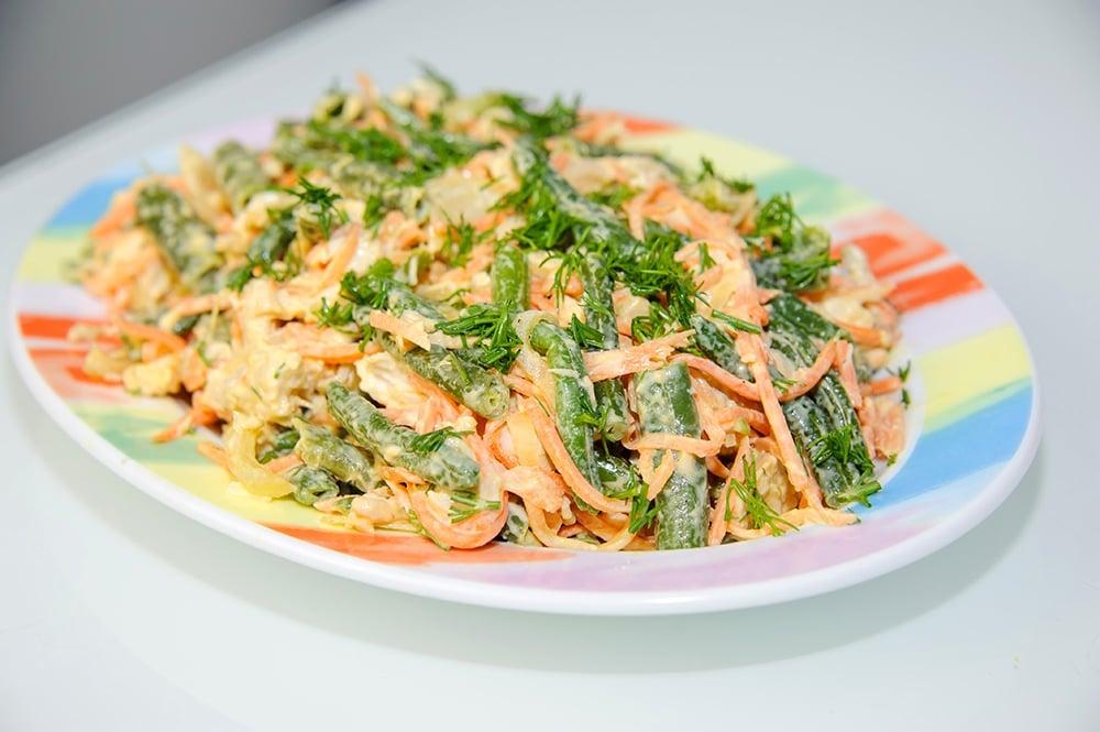 Салат с зеленой фасолью и корейской морковью - приготовление, шаг 8