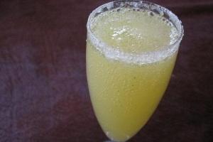 Коктейль с шампанским - «Лимончелло»