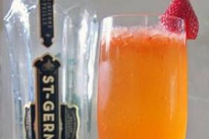 Сэн Жермен - клубничный коктейль