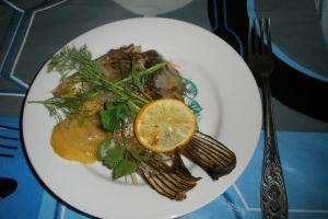 рыба запеченная с луком и яблоками