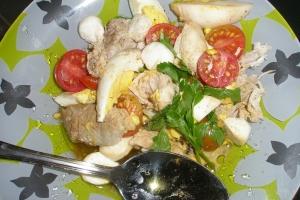 Салат с мясом и моцареллой