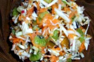 Капустно- фруктовый салат