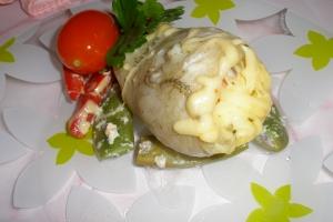 Рыба запеченная с креветками и овощами