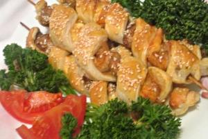 Шашлычки с семгой и грибами