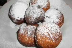 Быстрые творожно-фруктовые пончики