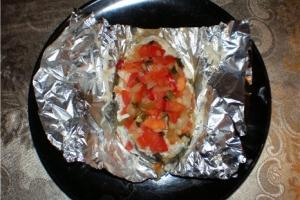 Рецепт запеченной рыбы с овощами в фольге в духовке с фото